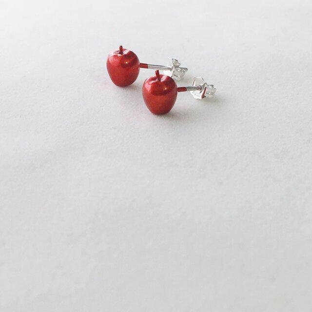 「よく見たらりんご」ピアス 赤の画像1枚目