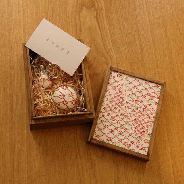 【ギフト】小さな桐箱ときもの小物3点セットの画像1枚目