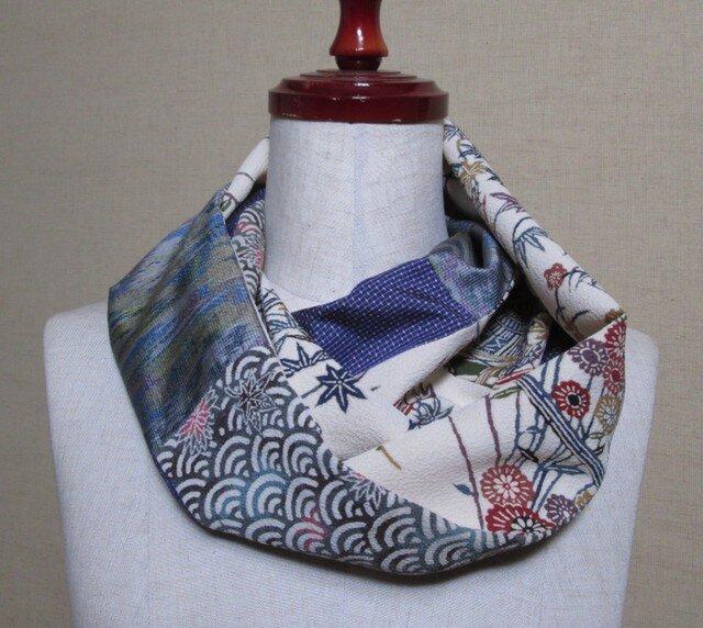 着物リメイク 古典柄の型染め正絹着物×大島紬からスヌードの画像1枚目