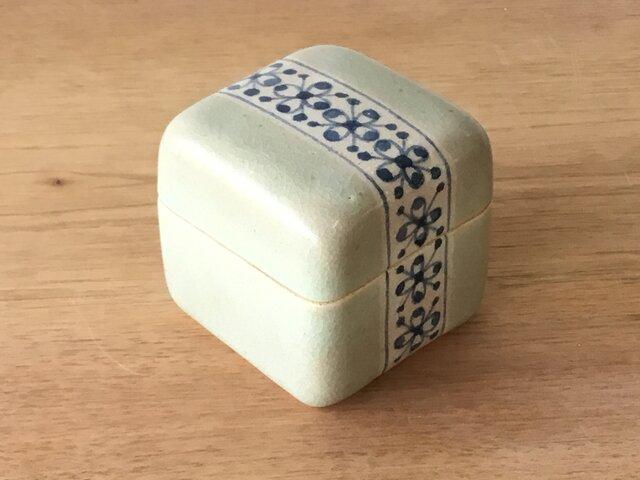 陶箱 果実紋の画像1枚目