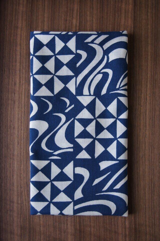 天然藍の型染め手拭いの画像1枚目