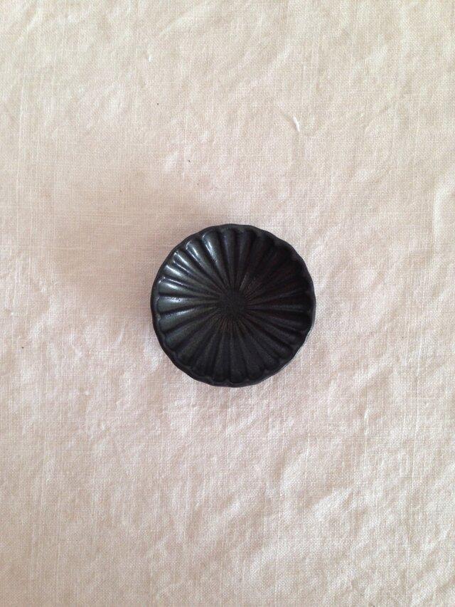 輪花豆皿(黒)の画像1枚目