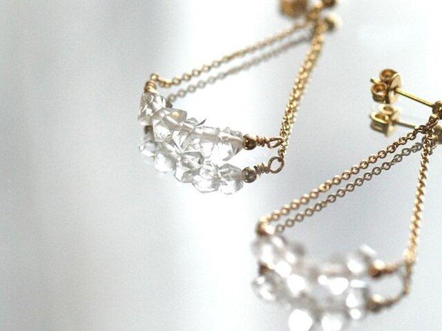 NY産ハーキマーダイヤモンド トライアングルピアス【14kgf】の画像1枚目