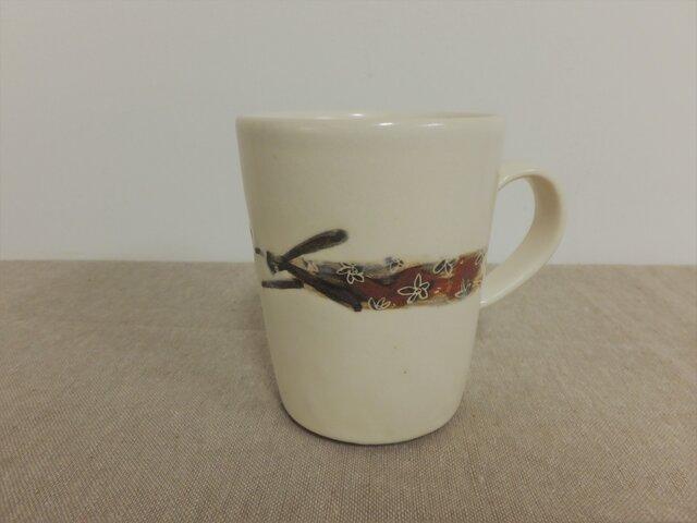 飛ぶウサギ2匹(お花のプレゼント)カップの画像1枚目