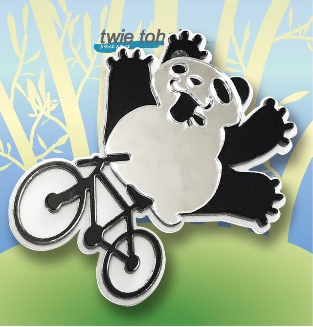 パンダブローチon自転車 リフレクションブローチの画像1枚目