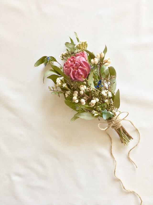 チューリップと小花のブーケ、スワッグの画像1枚目
