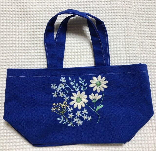 キャンパスの刺繍ミニトート☆マーガレットの花束の画像1枚目