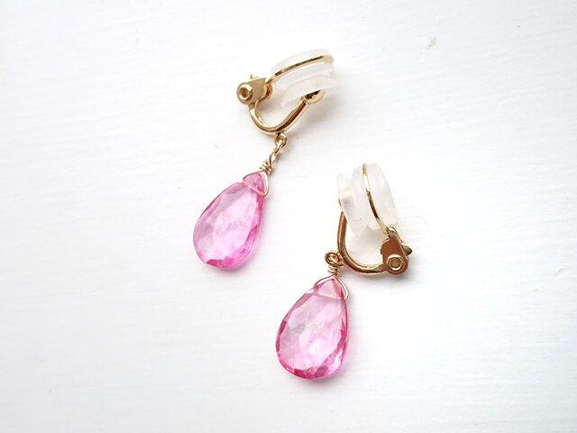 「雫 ピンク色のトパーズ」ソフトタッチイヤリングの画像1枚目