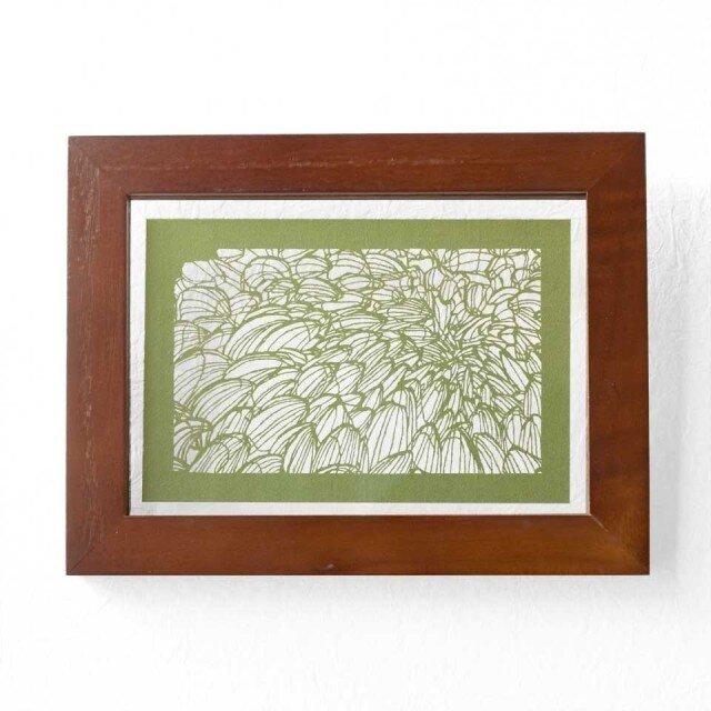 切り絵 菊 フローターフレーム 透明背景 抹茶の色渋紙の画像1枚目