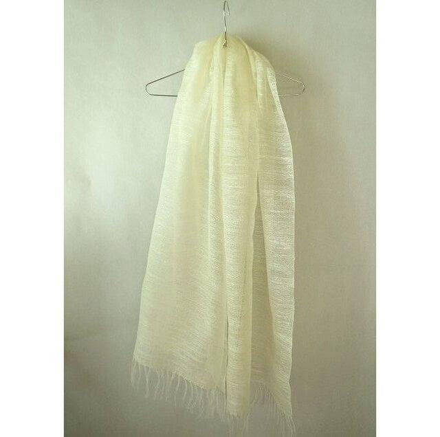 手織り 真っ白のシルクのストール(1)の画像1枚目