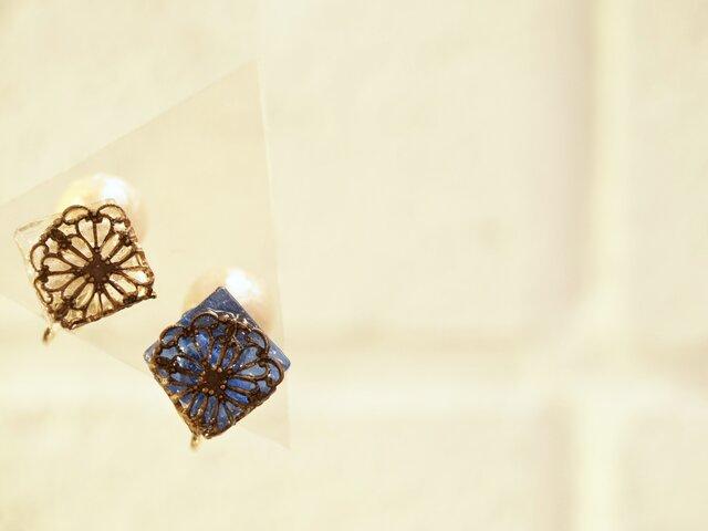**ナイトブルー&クリアーアイス**フィリグリーガラスイヤリングの画像1枚目