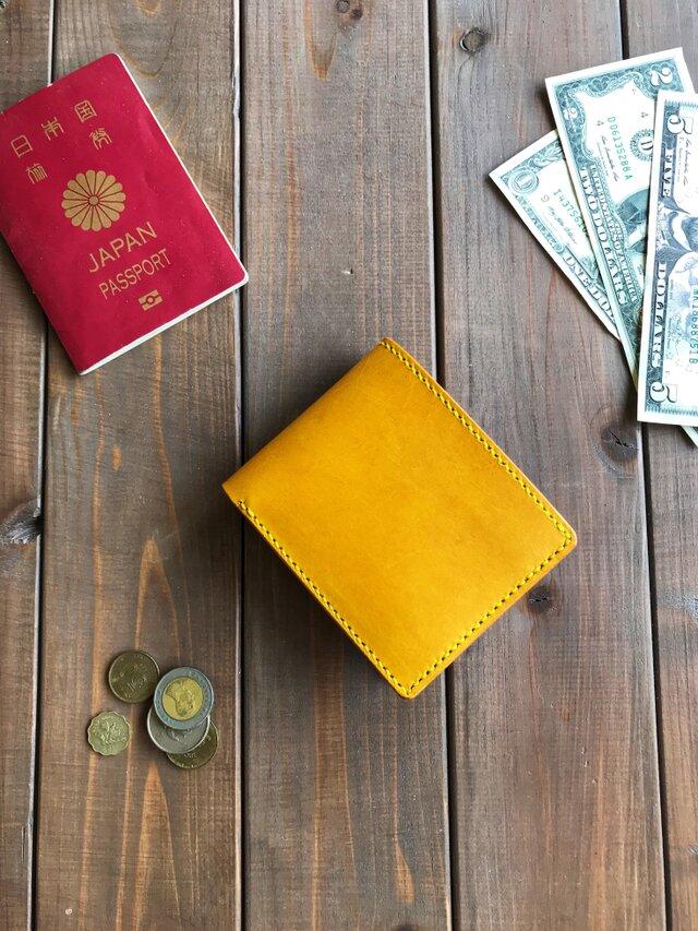 金運アップ! イタリアンレザーを使った二つ折り財布の画像1枚目
