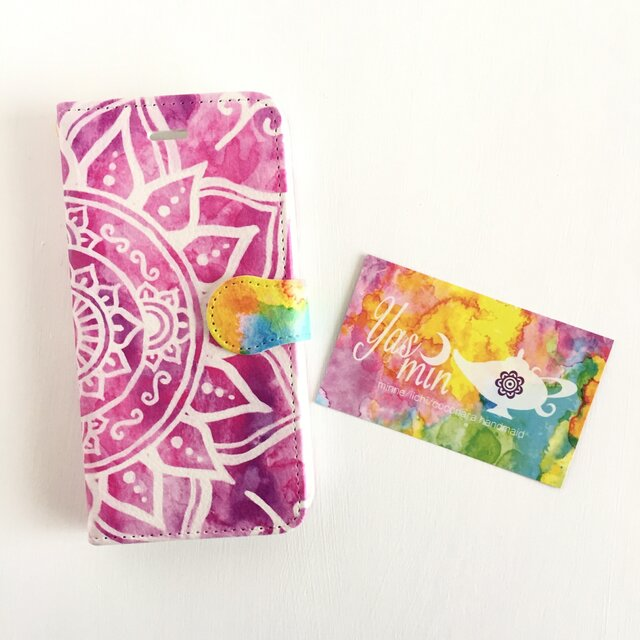 【春・夏】モロッコ風手描き曼荼羅柄 ピンクの手帳型iPhone/Androidケース(留め具pink)の画像1枚目