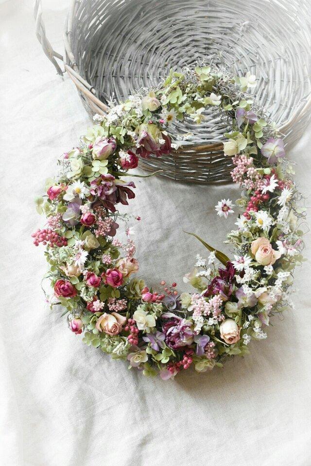 [S様専用作品]花咲く庭にての画像1枚目