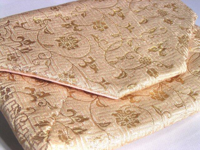 和布のバッグ 数寄屋袋 花唐草 「白と金」クラッチバッグの画像1枚目