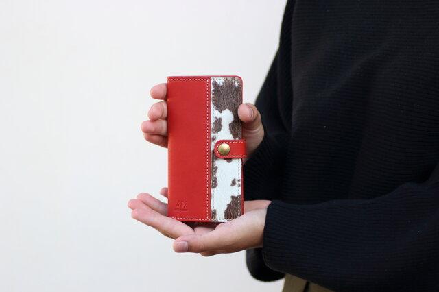 ハラコとヌメ革のスマホカバー レッド 手帳型スマホケースapo-09nchの画像1枚目