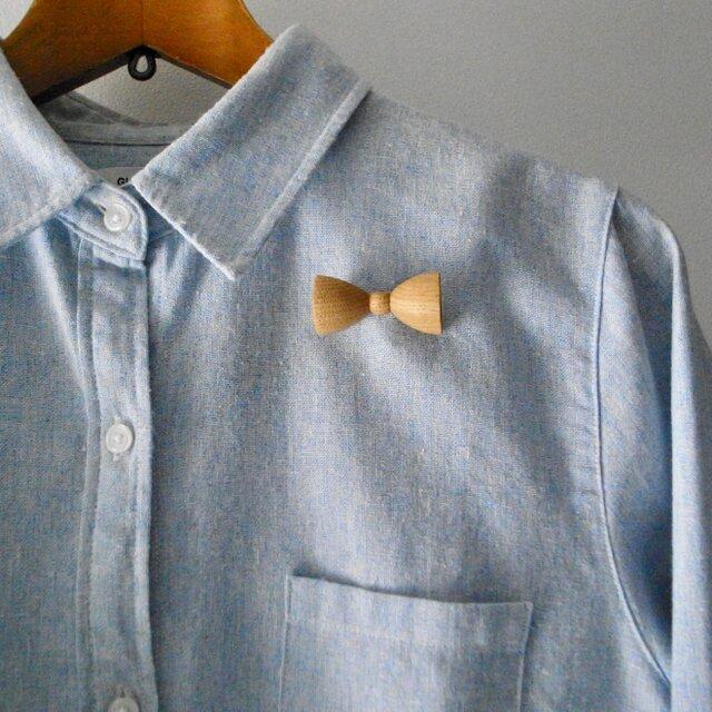 ブローチ bow tieの画像1枚目