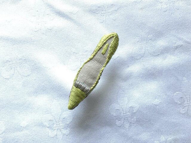 shoe shoe shoe刺繍ブローチNo.76(きみどり)の画像1枚目