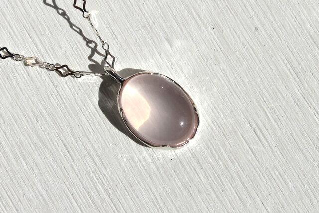 Rose magic necklace (ローズクォーツのネックレス)の画像1枚目