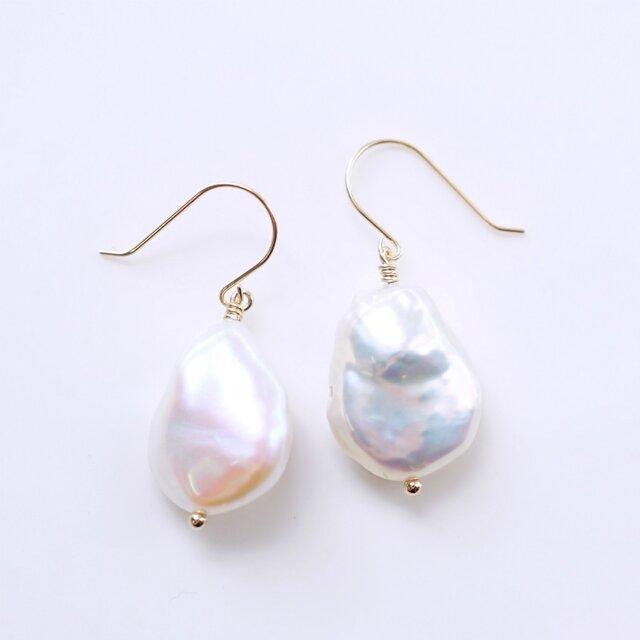 K18大粒バロック淡水真珠のピアス ~Casandraの画像1枚目