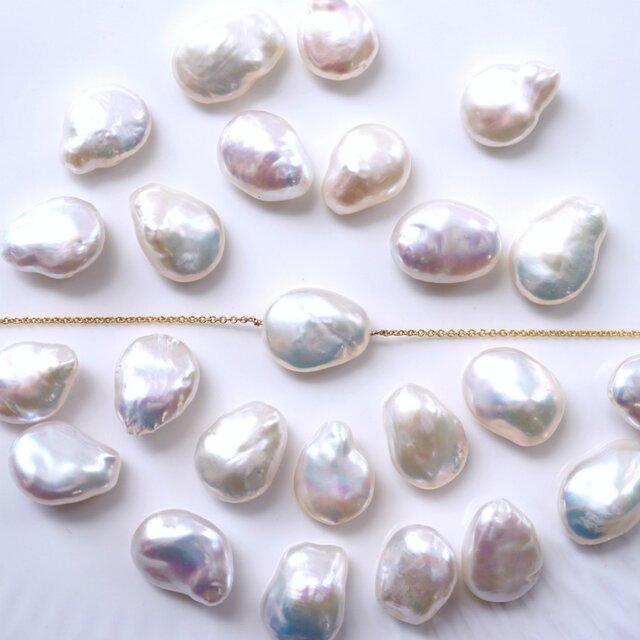 大粒バロック淡水真珠のネックレス ~Felicitasの画像1枚目