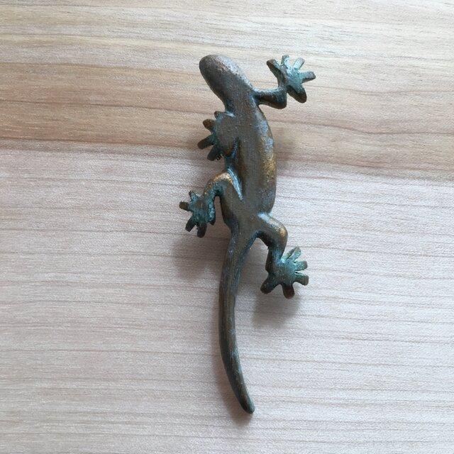 bronze gecko brooch 0424の画像1枚目