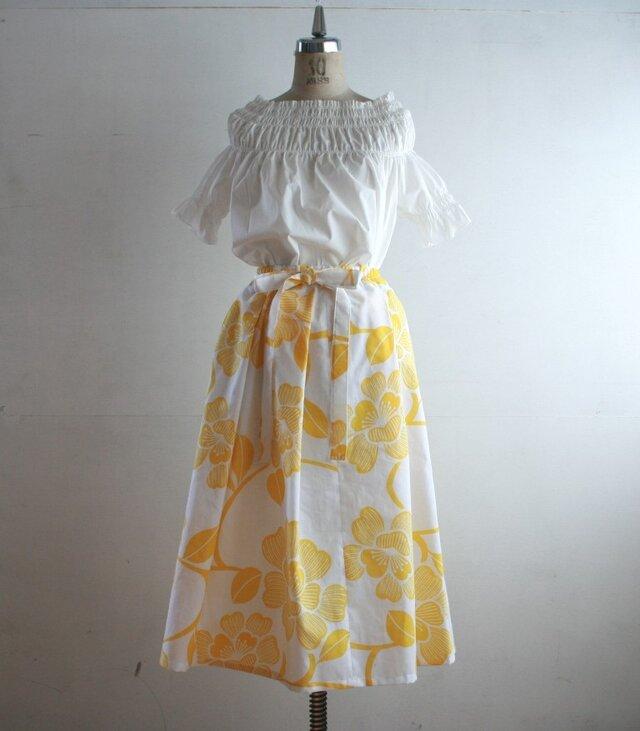 浴衣地 黄色花模様 リボンベルトのゴムスカート Fサイズの画像1枚目