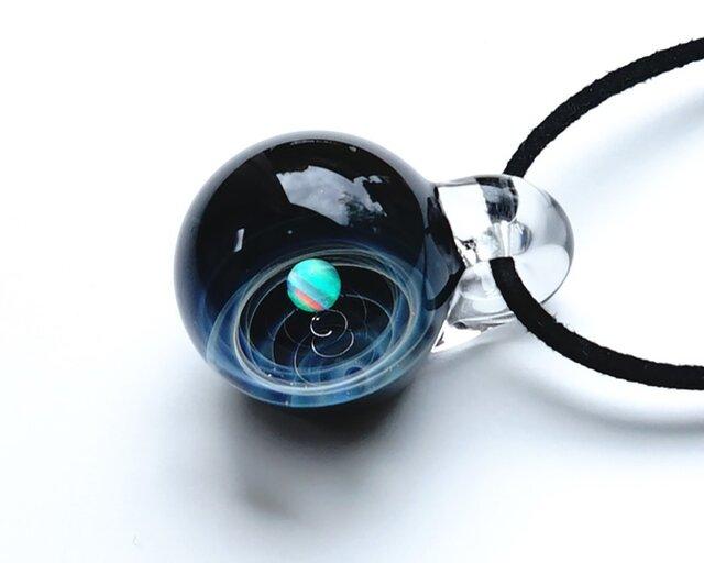 あなただけの1番星。verシリウス ホワイトオパール入り ガラス ペンダント 星 惑星 宇宙の画像1枚目
