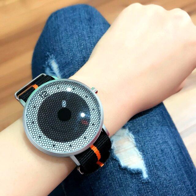 ナイロンベルト スポーティー腕時計 *ブラック* <u-001>の画像1枚目