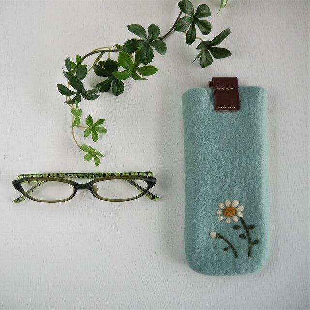フェルトの小花柄メガネケース ソーダ色*受注制作*の画像1枚目