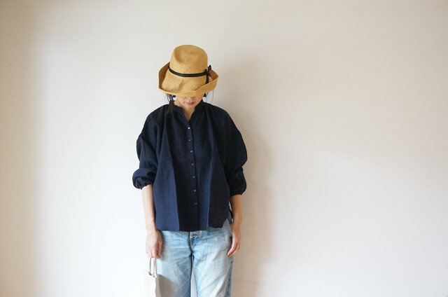 Linen gather blouse LADY'S NAVYの画像1枚目