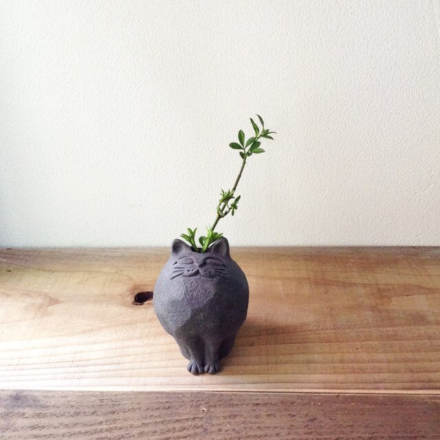 削り猫/黒(小)花器 植木鉢の画像1枚目