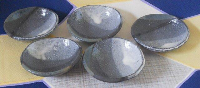 黒土白化粧掛け分け小皿(五枚ひと組)の画像1枚目