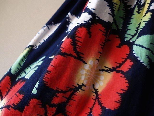 浴衣リメイク:赤い花柄浴衣のロングスカートの画像1枚目
