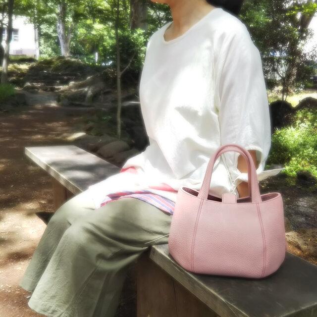 【牛革】丸みのあるフォルムがかわいい♡小さいバッグ(ピンク)*受注製作*の画像1枚目