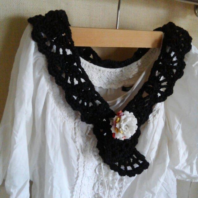かぎ針編みのくるくる模様のミニストールの画像1枚目