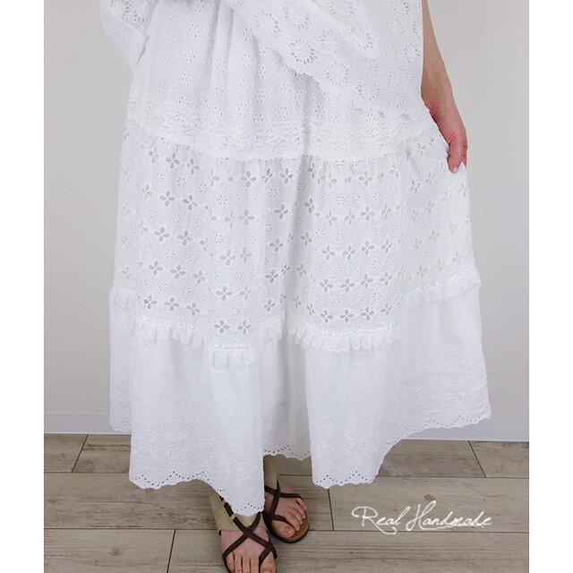 [予約販売] アイレット刺繍レースティアードスカートの画像1枚目