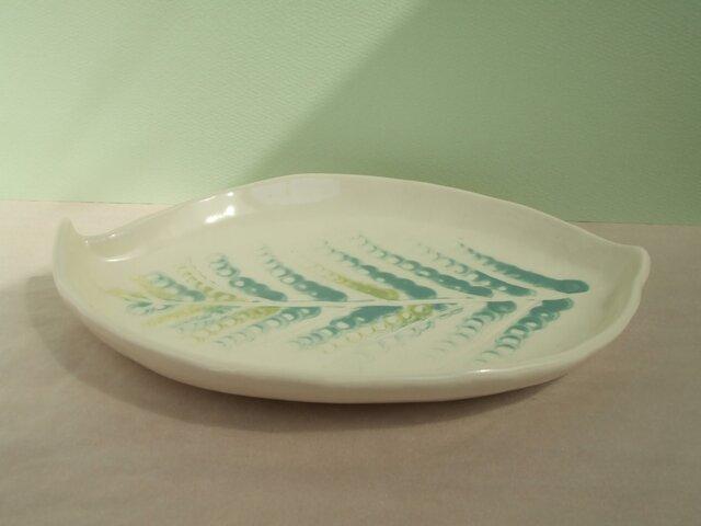 22cmx16cmやや深め皿 (葉っぱ)の画像1枚目