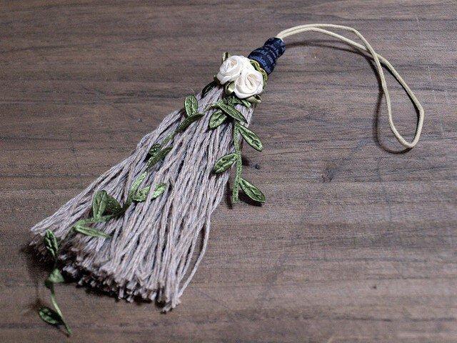 ❁ガーデンタッセル❁ 薔薇 雑貨 インテリア オーナメント グリーン 植物 雑貨 小物 バッグチャーム キーホルダー グリーンの画像1枚目