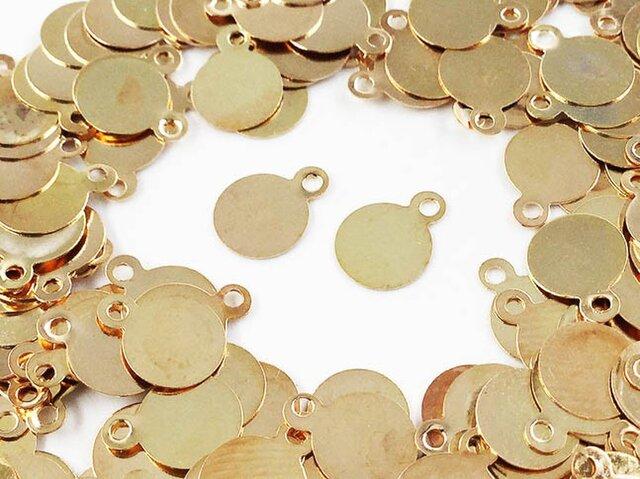 送料無料 メタル パーツ プレート 丸 6mm ゴールド KC金 200枚 カン付 ピアス イヤリング パーツ (AP0504)の画像1枚目
