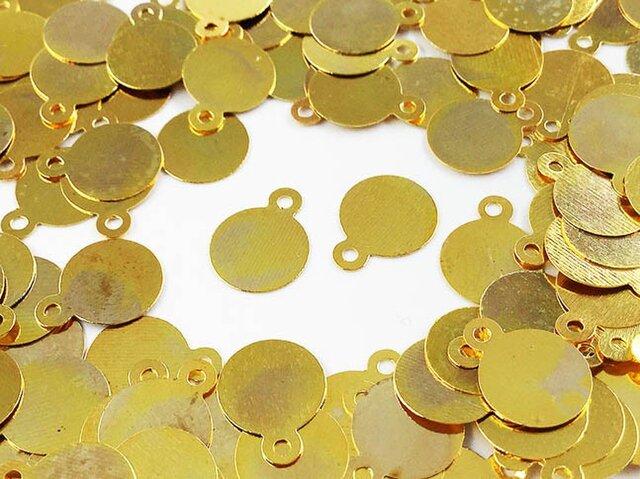 送料無料 メタル パーツ プレート 丸 8mm ゴールド 200枚 カン付き ピアス イヤリング パーツ (AP0506)の画像1枚目