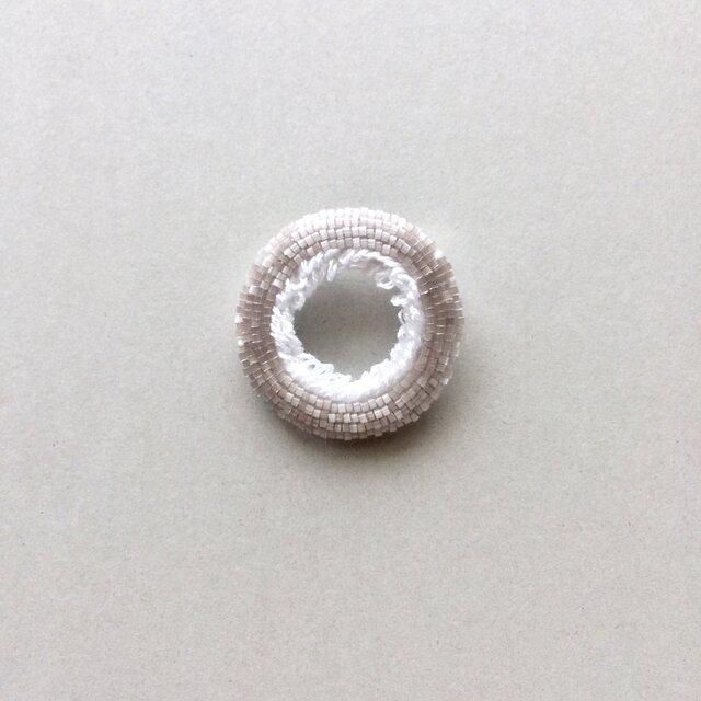 惑星ブローチ typeE  WHITEの画像1枚目