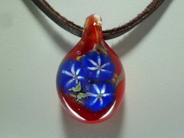 朝顔と蝶NO.1(ガラス、花、ペンダント)の画像1枚目