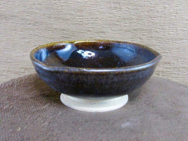 陶器花弁小鉢(黒)の画像1枚目