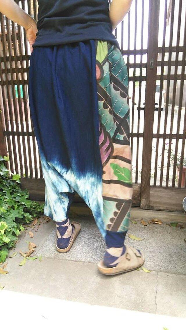 古布リメイク☆のぼり旗と藍染でたっぷりシルエットのサルエルパンツ♪の画像1枚目