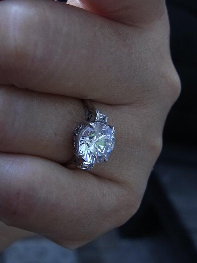 ガラスの指輪の画像1枚目