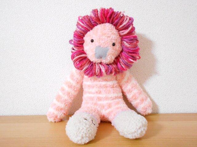 ピンクのライオンの画像1枚目