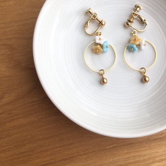 flower earring/pierceの画像1枚目