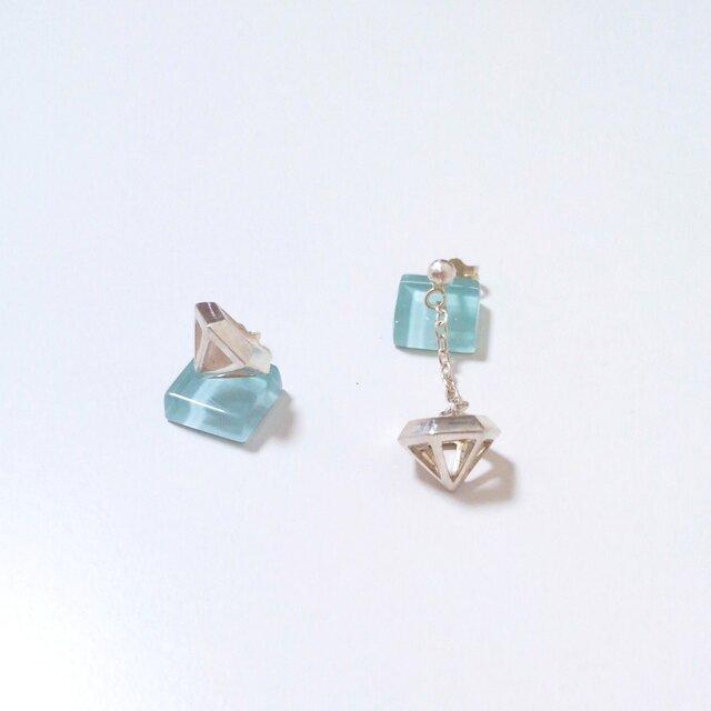 Flying Diamond ピアスの画像1枚目