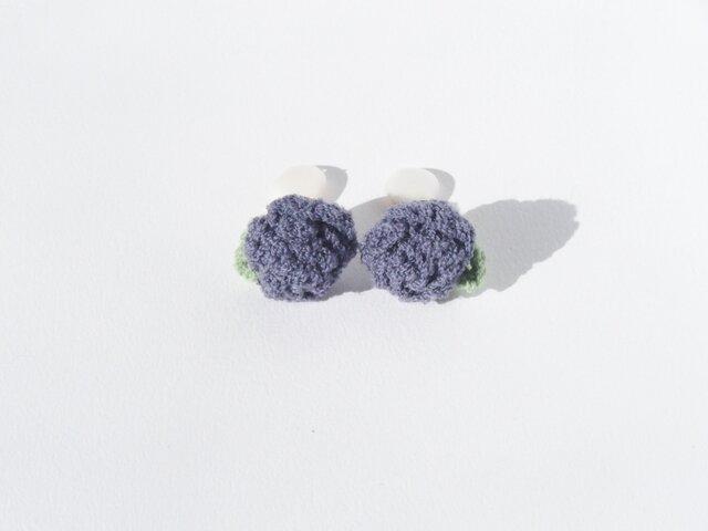 耳元にお花を♪バラのイヤリングの画像1枚目